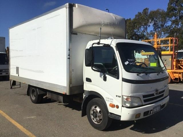 2008 Hino 300 4 x 2 Pantech Truck