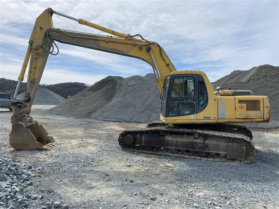 Komatsu PC220LC-6 Hydraulic Excavator