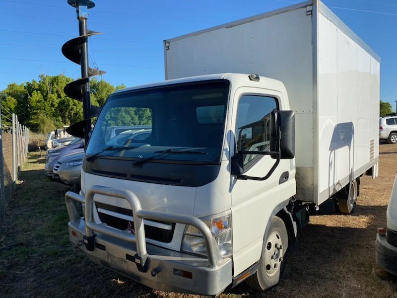 2007 Mitsubishi Canter L7/800 4 x 2 Pantech Truck