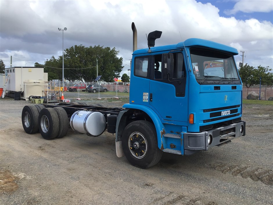 2003 Iveco ACCO 6 x 4 Cummins Automatic Cab Chassis Truck (Ex Corp)