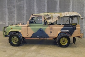 Land Rover 110, 4X4 FFR Soft Top with wi
