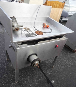 how to clean omas meat slicer