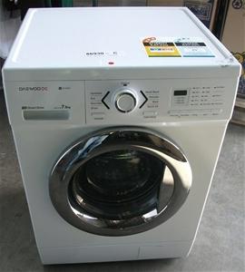 Daewoo front loader 7.5kg washing machine model: DWD-FD1452. Auction