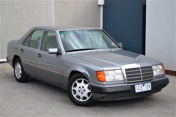 1993 mercedes benz 220e w124 236 407 automatic auction for Mercedes benz w124 230e workshop manual