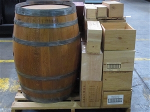 1 pallet of empty wooden wine boxes 1 empty wine barrel for Empty wine crates