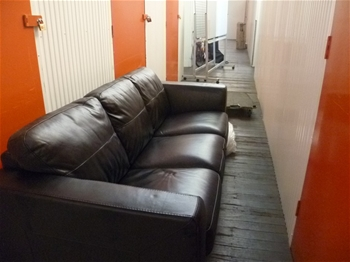 Entire Contents Of Overdue Storage Including 3 Piece Recliner Lounge Suite Auction 0008