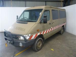 4x4 mercedes benz sprinter lcv 2 ex army ambulance auction for Mercedes benz sprinter 4x4 diesel