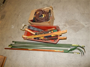 Qty assorted garden tools auction 0347 5014965 for Garden tools australia